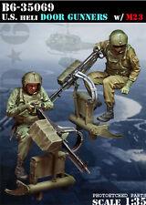 BRAVO-6 35069 U.S. Heli Door Gunners w/ M23 NAM 1/35 RESIN FIG.