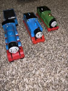 THOMAS THE TRAIN MOTORIZED TRACKMASTER BATTERY OPERATED LOT Of 3