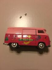 Sunnyside VW Bus SS5403 Pull-Back Diecast 1:32 Pink Red Happy Holiday Fruit