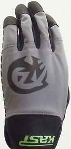 Kast Extreme Fishing Gear Raptor Gloves Size Medium NWT in Original Packaging