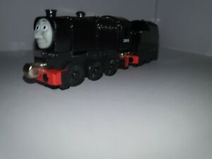 ●NEVILLE AND TENDER●  Thomas the Tank Engine & Friends Take-n-Play diecast train