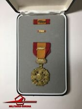 U.S.MILITARY MEDAL VIETNAM GALLANTRY CROSS PALM DEVICE BOX RIBBON BAR LAPEL PIN