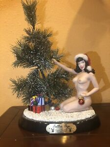 Bettie Page Statue Christmas Retired Edition