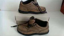 Rockport ladies nubuck leather tan walking shoe size 3.5
