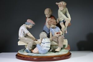 """Nao by Lladro Figurine """"Boys Playing Cards"""" 0679"""