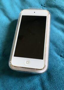 Apple iPod Touch 6th Generation Gold (128GB) - MKWM2BTA