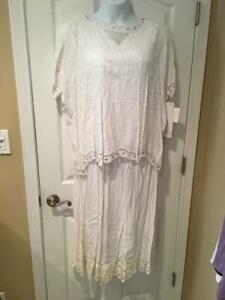 MPH COLLECTION Woman's 2 Piece Skirt Outfit, White with Floral Pattern, 2X, NWT