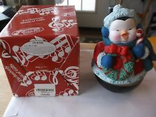 Cr) San Francisco Music Box Company Let it Snow Penguin W/box