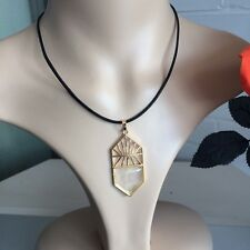 Clear Quartz Yoga Meditating Chakra Protection Stone Pendant Leather necklace