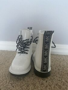 boots women size 7 new Michael Kors