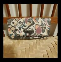 NWT Sakroots Artist Circle Snap Trifold Wallet in Shadow Songbird