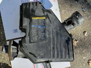 2006 Hummer H3 Air Cleaner Assembly Air Box Filter Housing