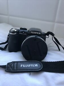 Fuji S4400 14MP 28  Zoom Digital Bridge Camera Fujifilm FinePix
