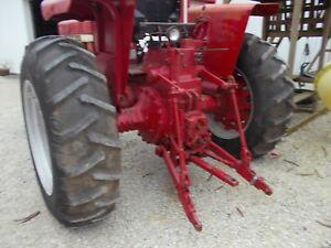 International Farmall 706 806 tractor IH IHC Flat Top Fenders w/ 2 lights & Ubol