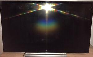 Toshiba 32WL3A63DB 32 Inches HD Ready LCD Smart TV - Black/Silver