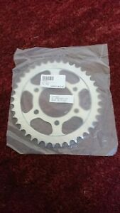 KAWASAKI ZX 10R REAR SPROCKET 39 TOOTH FOR 04/05NEW IN SEALED PACKET