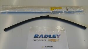 NEW OEM GM 14-15 CHEVY SS 08-09  G8 DRIVERS SIDE WINDSHIELD WIPER BLADE 92219233