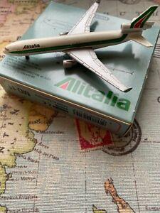 Schabak die-cast model airplane - Alitalia Douglas MD 11