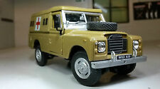 1:43 Scala Modello Land Rover Serie 2a 3 LWB 109 ESERCITO ambulanza Oxford