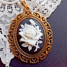 Shabby Tamaño de Cadena Color Oro Antiguo con Camee Rosa Negro, Blanco Traje