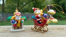 1996 PAWS Plastic Garfield Christmas Ornament Fireplace and Stocking
