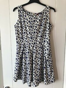 BNWT Cute Butterfly Dress Size 14 Uttam Of London