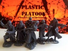 NEW!! PLASTIC PLATOON,GERMAN 1st Infantry div.Winter 1941,6 rubber soldiers1:32