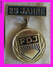 IP483 INSIGNE POLITIQUE 25° anniversaire de la FDJ JEUNESSE COMMUNISTE RDA