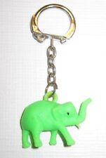 5 verschiedene farbige Elefant Kunststoff Schlüsselanhänger Keychains NEU (A52v)