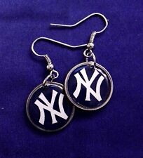 New York Yankees earring on a dime