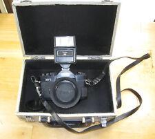 Vintage Vivitar XV-1 SLR Camera 28mm 1:2.8 Lens UV Haze Filter Flash Metal Case