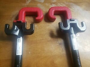 11-20 JEEP GRAND CHEROKEE FRONT RED TOWING HOOKS