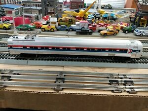 HO Bachmann 1300 Amtrak Metroliner Powered Very Good Condition runs tested