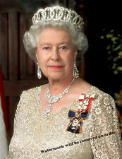 Photograph Portrait of Queen Elizabeth II of England  8x10