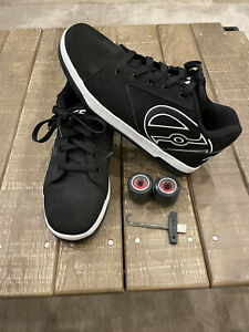 Heelys Shoe  size 11, with wheels and removal tool.