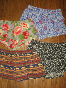 Lot womens small shorts Forever 21 Full Tilt flowy floral pull on rayon