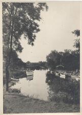 ORIGINAL VINTAGE PHOTOGRAPH OF SMALL LAKE W/ HOUSE   BOATS
