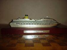Maquette bateau de croisière COSTA MAGICA sur socle bois modellino