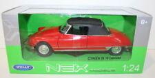 Voitures, camions et fourgons miniatures rouges en plastique Cabriolet