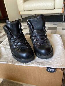 Danner Mountain Light Boots - Cascade Clovis - Size 10