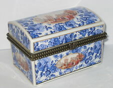 Dose, Porzellan Box, Pillendose, Rosendekor, im Nostalgie Antik Stil, 11x7x7cm