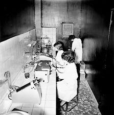NANTERRE c. 1960 - Laboratoire Fraysse L' Opothérapie - Négatif 6 x 6 - N6 IDF32