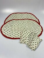 VINTAGE 2 PLACEMATS AND 2 NAPKINS ~ HOLLY AND BERRIES