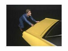 American Diorama 1/24 Mechanic Figure DARWIN PUSHING A CAR 38278