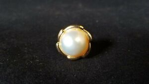White and Bluish Pearls Ring in 14 Kt Yellow Gold Size 6.75 US