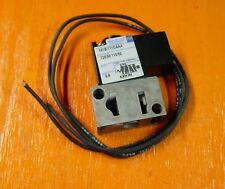 NEW Mac air valve 181B-111CAAA - pneumatic directional solenoid valves
