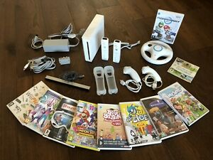 Nintendo Wii bundle & Games Working - Fully Tested No Box