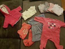 Lot 1  -  9 Vêtements Bébé Fille 1 Mois Bodys Pyjamas Gilets Robe Très Bon État