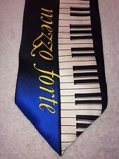 "CHESBRO MUSIC COMPANY MENS TIE MEZZO FORTE 3.75"" X 59 PIANO KEYBOARD"