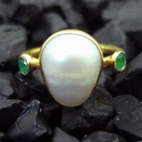 Handmade Hammered Pearl And Emerald Ring Yellow Gold over 925 Sterling Silver
